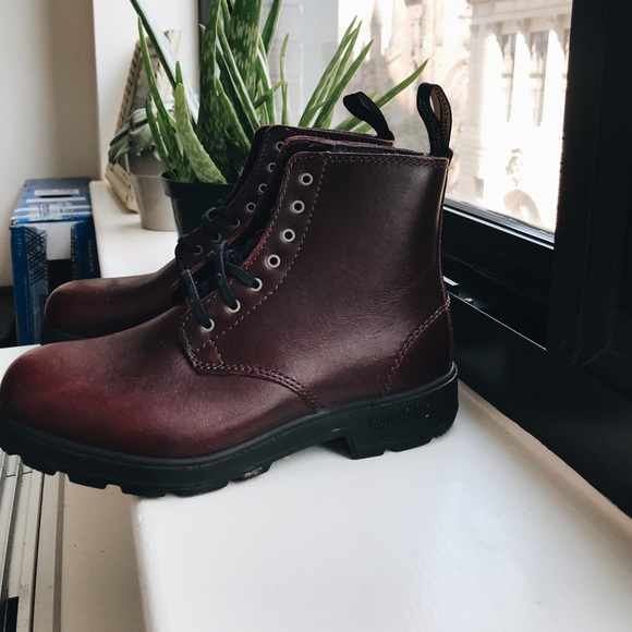 Blundstone Maroon Combat Boots (worn once)